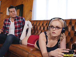 Nasty gamer girl River Fox hardcore porn video