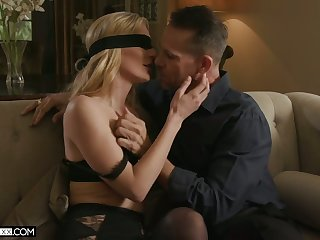Blidfolded wifey Mona Wales gives BJ and gets brutally fucked doggy style