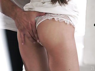 Some good anal polishing is never too late for really voracious Lilu Moon