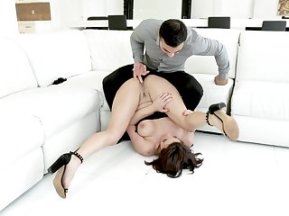 Skilled stud gives stacked doll Becky Bandini what she needs