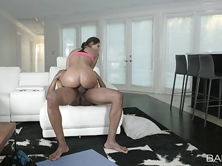 Big ass babe rides the BBC like it's the end of the world