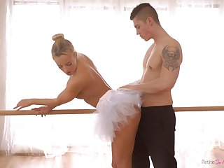Czech ballerina with a big ass enjoying some nice fuck with her boyfriend