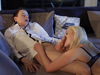 Hardcore leads blonde babe in black lingerie to reach amazing orgasms