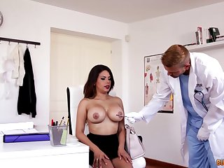 Wet pussy of slutty big breasted secretary Kesha Ortega is banged on the table