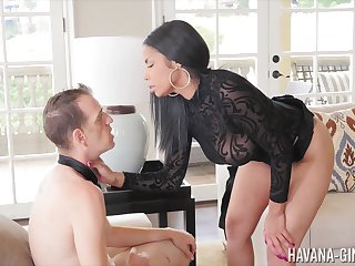 Havana Ginger is a gorgeous dominatrix fucking her bod with a strap-on