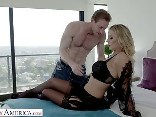 Insatiable paramour Kenzie Taylor goes wild on hard penis and gets her pussy fucked