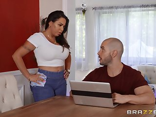 Oiled Julianna Vega spreads her legs for a penis on the massage table