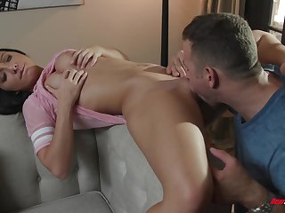 Babe's pussy tastes like the smell of roses and it is perfect for fucking